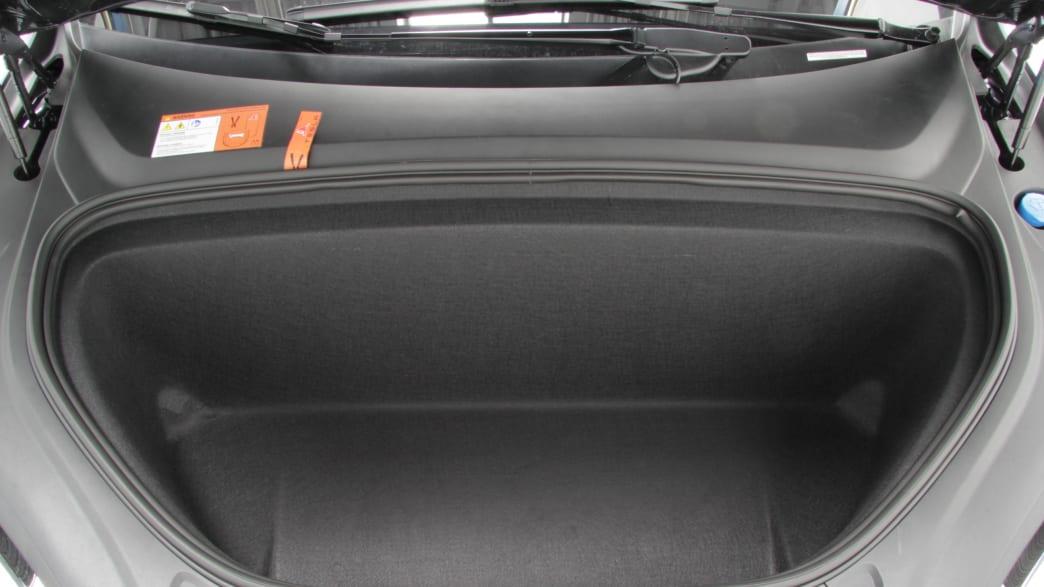 Stauraum vorne im Elektroauto Tesla Model X