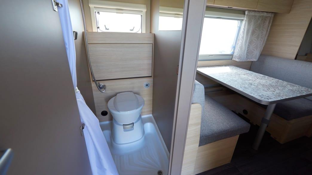 Toilette im Weinsberg CaraCito 470 QKD