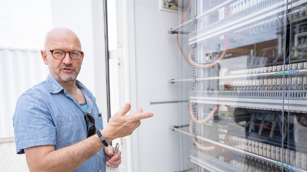 Wolfgang Rudschies zu Besuch im KIT-Forschungszentrum in Karlsruhe