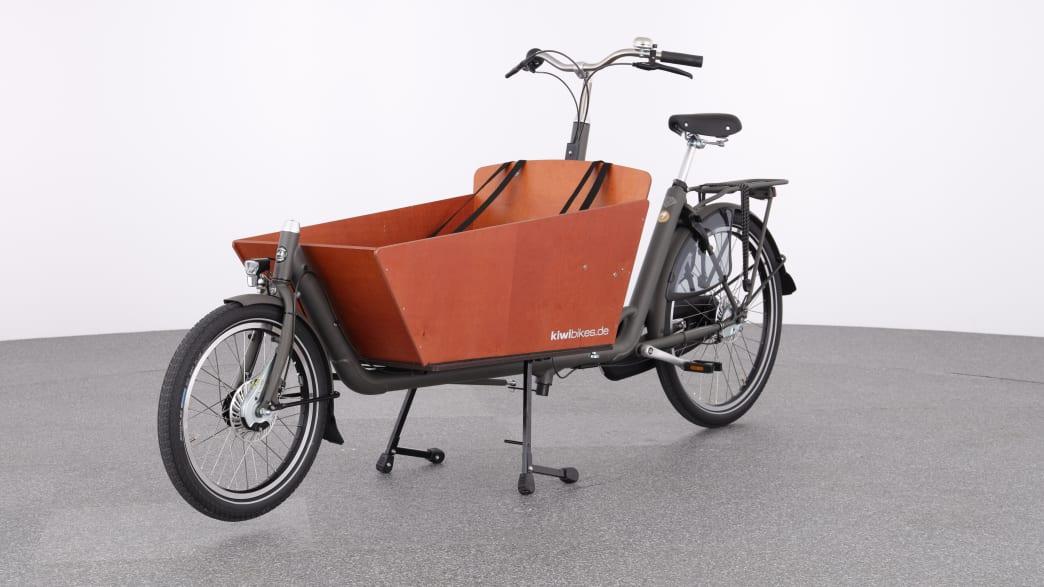 Produktfoto zur Kindermitnahme auf dem Fahrrad, ein Lastenrad mit Kasten vor dem Lenkrad