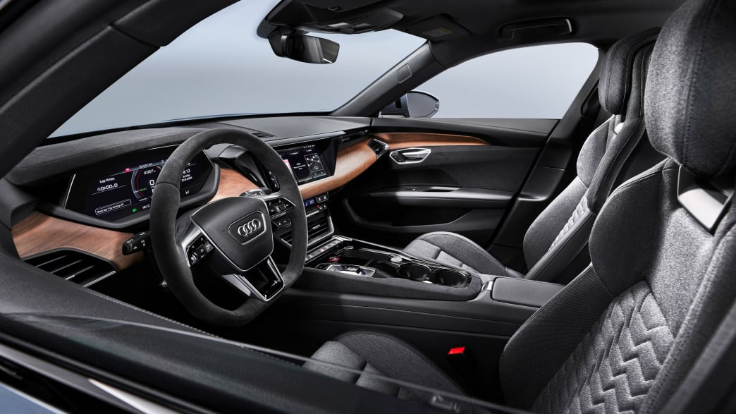 Vordersitze und Cockpit des Audi e-tron GT