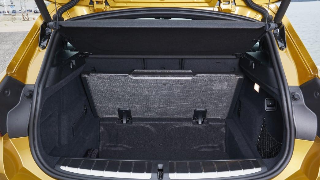 Blick in den Kofferraum des BMW X2