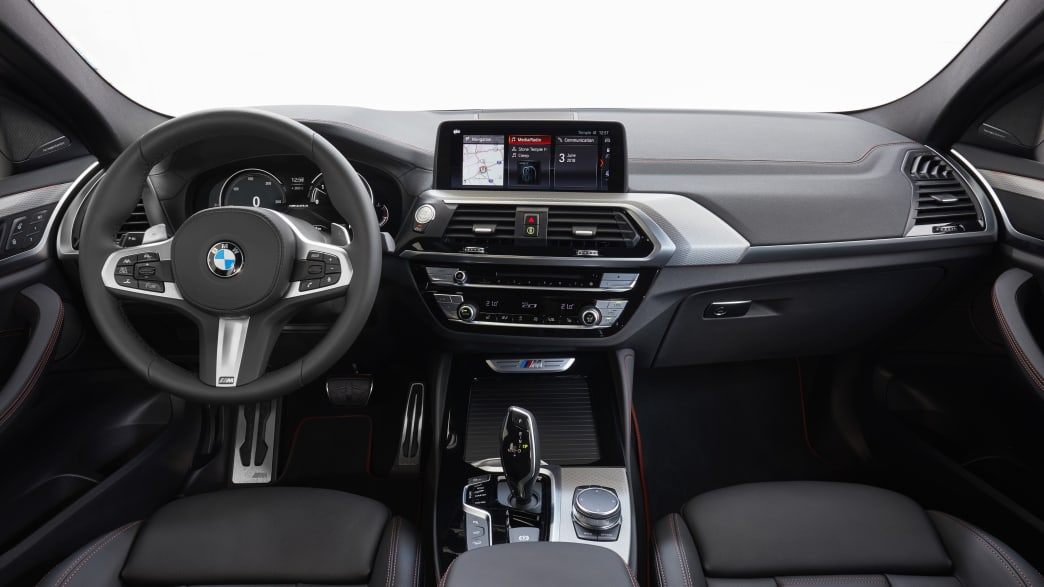 Cockpit eines BMW X4