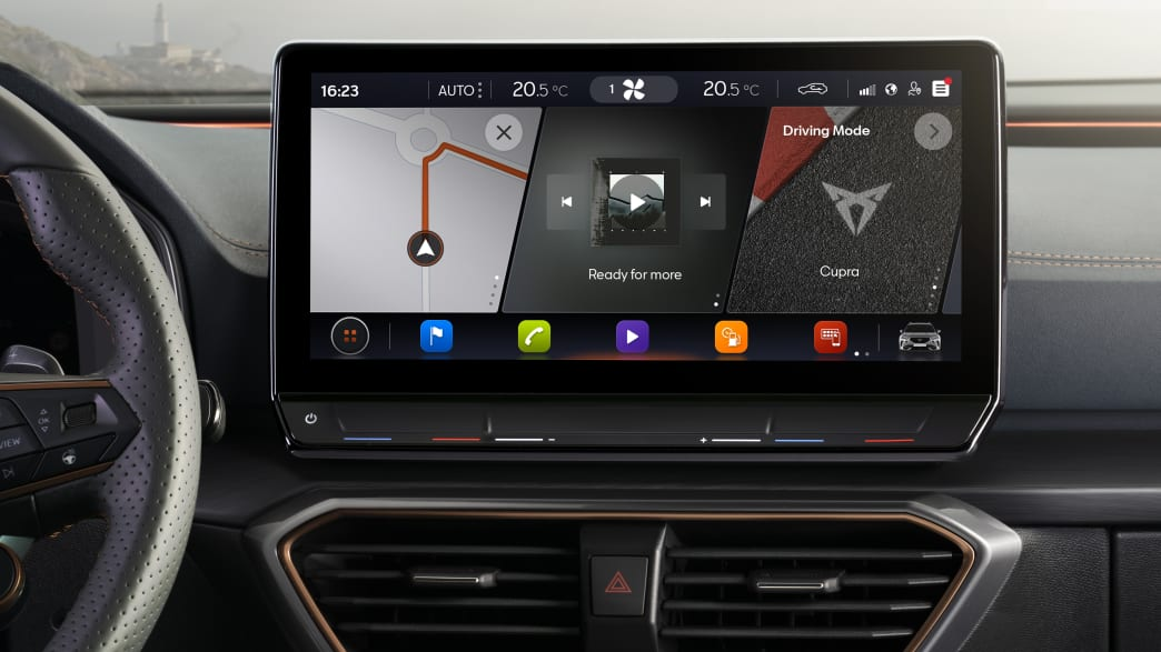 Die digitale Anzeige im Cockpit vom Cupra Formentor