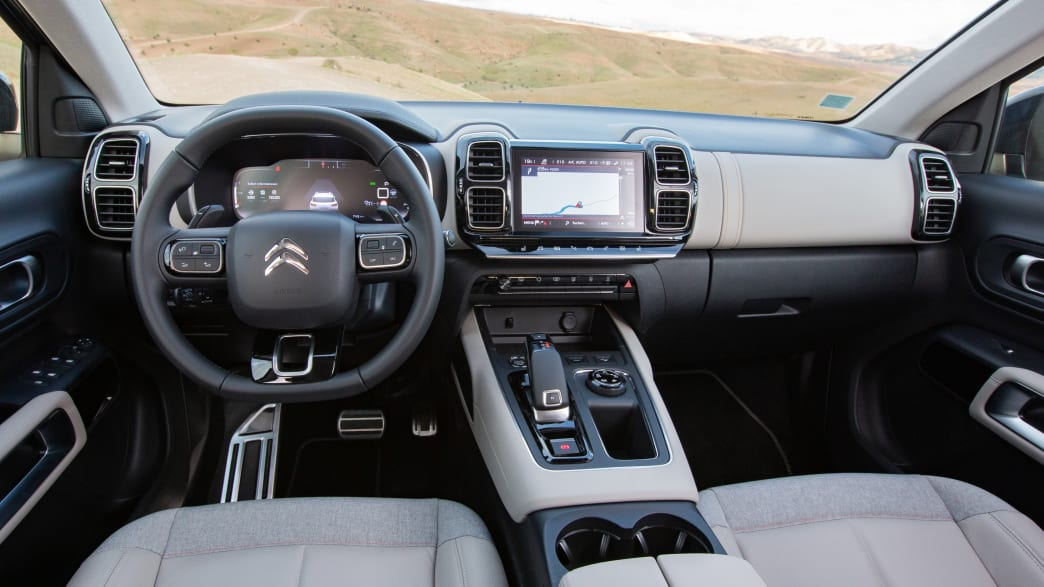 Cockpit eines Citroen Aircross