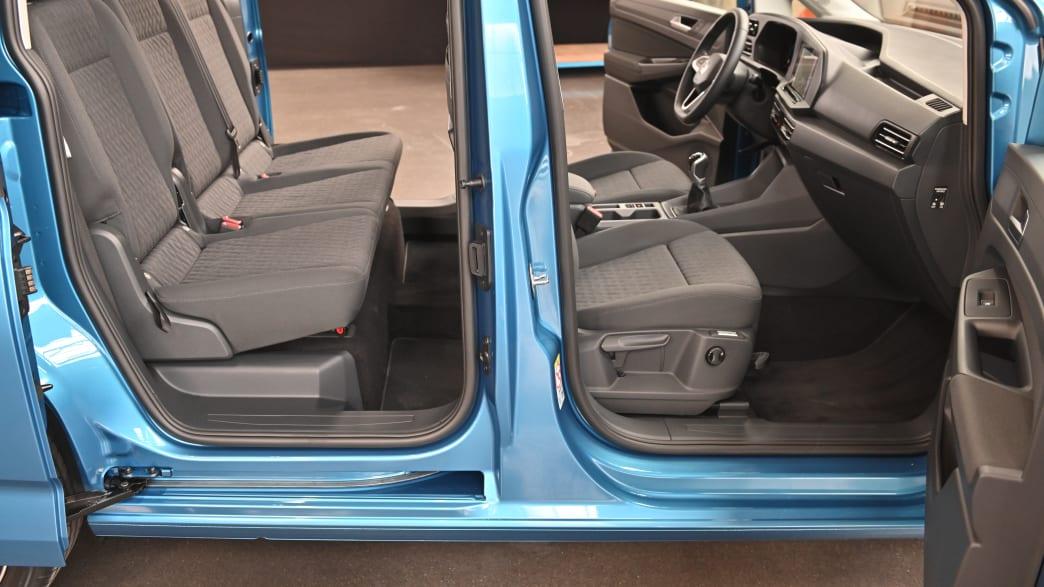 Seitenansicht auf Sitze des VW Caddy Life