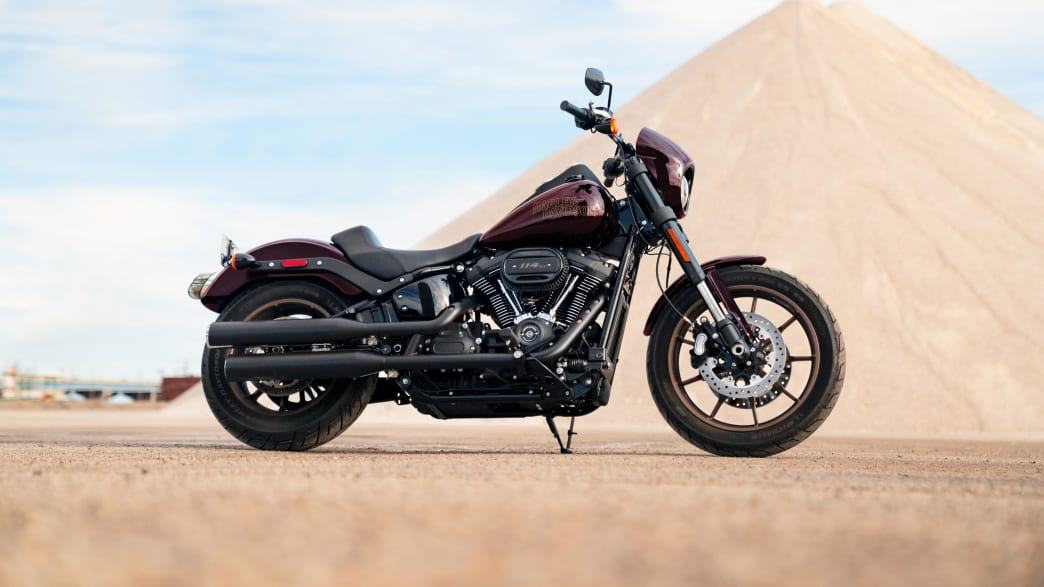 Harley Davidson Low Rider S von der Seite aufgenommen