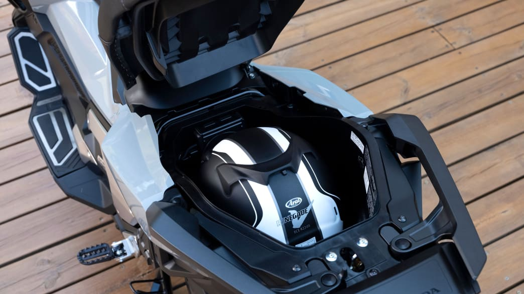 Helmfach der Honda X-ADV