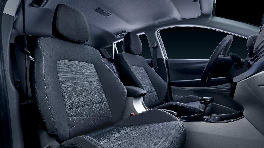 Vordersitze und Cockpit des Hyundai Bayon