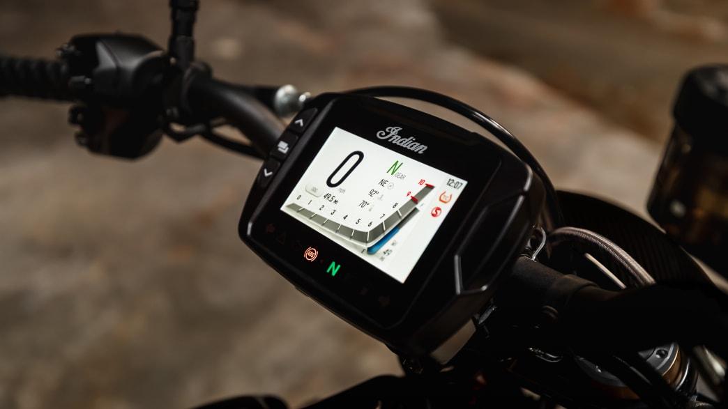 Die digitale Anzeige vom Motorrad Indian FTR R Carbon