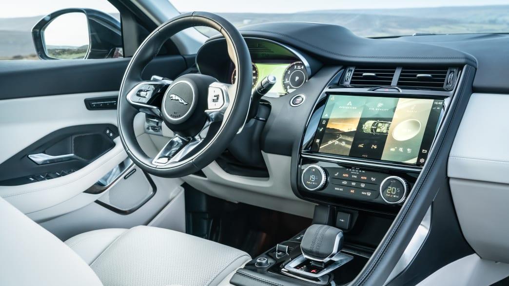 Cockpit des Jaguar E-Pace