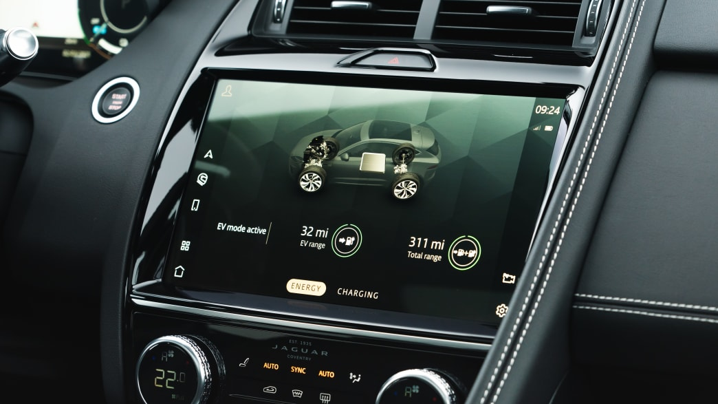 Display des Jaguar E-Pace