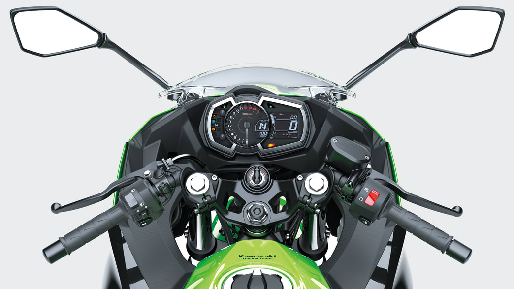 Lenker und Display der Kawasaki Ninja 400