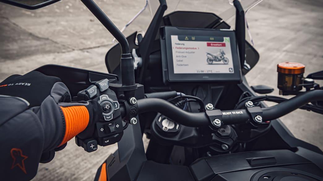 Display einer KTM 1290 Super Adventure S