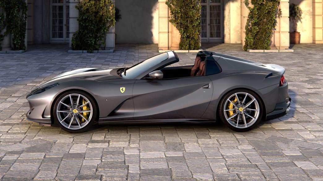 Seitenansicht eines stehenden Ferrari 812 GTS