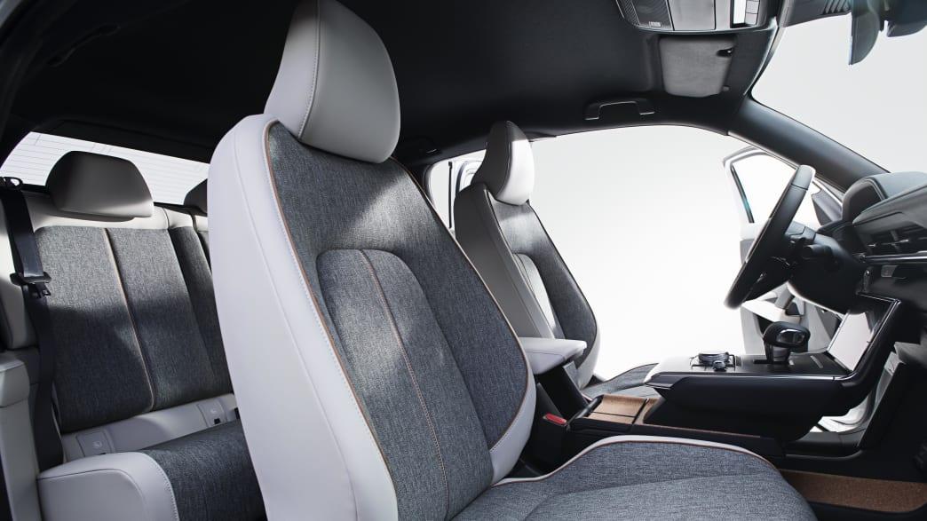 Blick in den Innenraum des Mazda MX-30