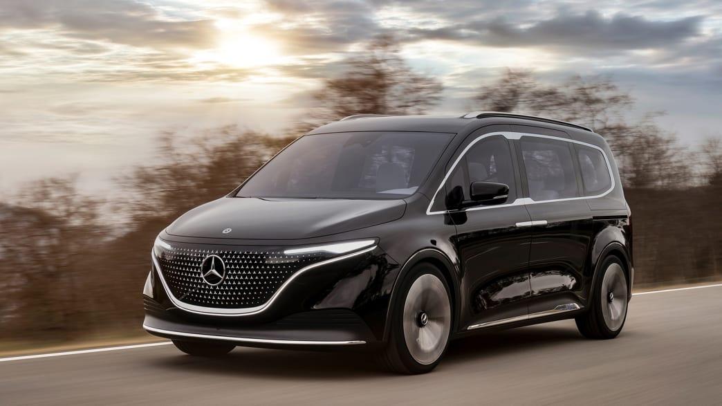 Die Vorderansicht des Mercedes EQT