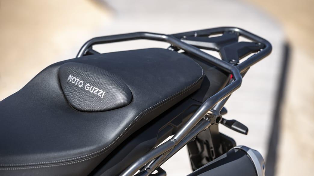 Moto Guzzi V85 TT Sitz mit Gepäckträger