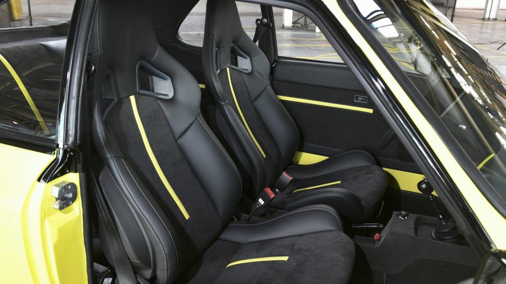 Die Vordersitze vom Opel Mantra mit Elektroantrieb