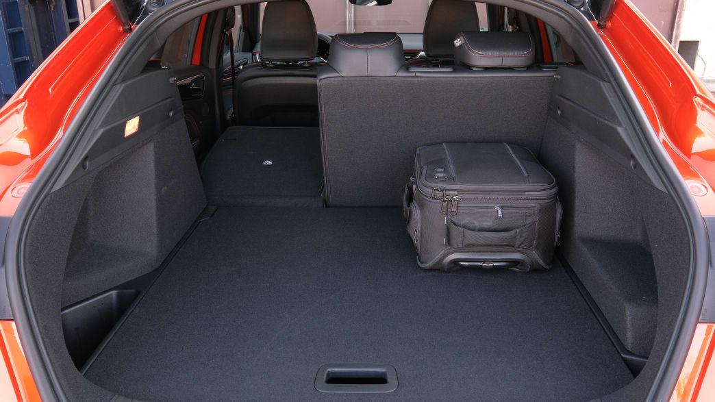 Der Kofferraum eines Renault Arkana