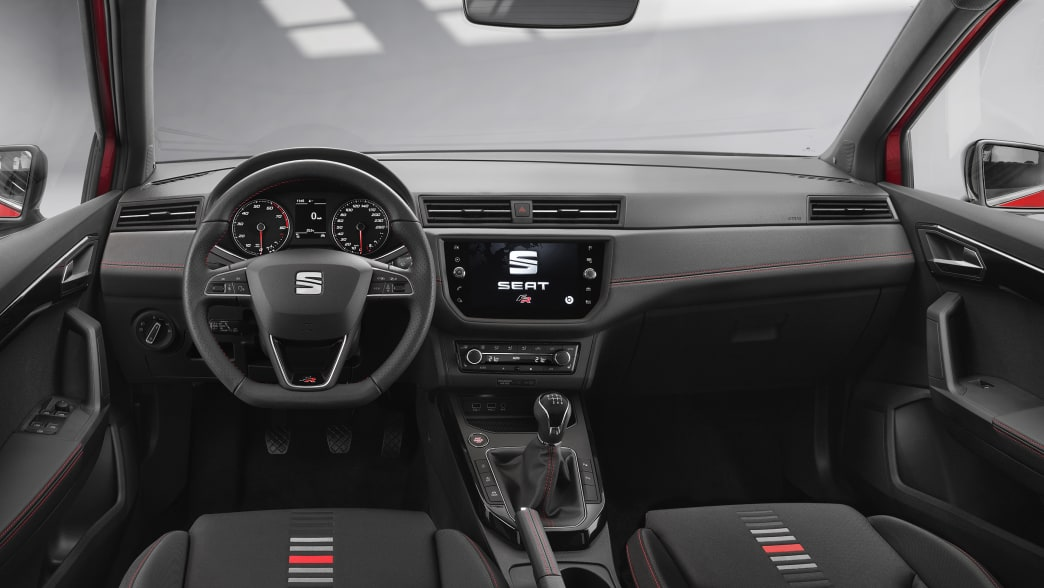 Seat Arona Cockpit