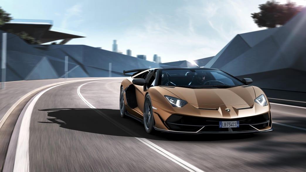 Lamborghini Aventador Roadster SVJ in Fahrt