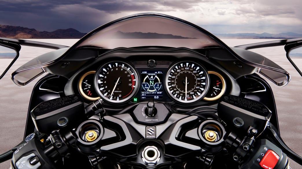 Cockpit der Suzuki GSX 1300 RR Hayabusa