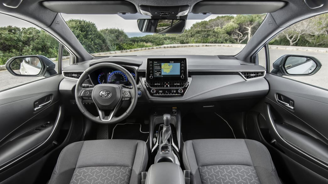 Cockpit eines Toyota Corolla