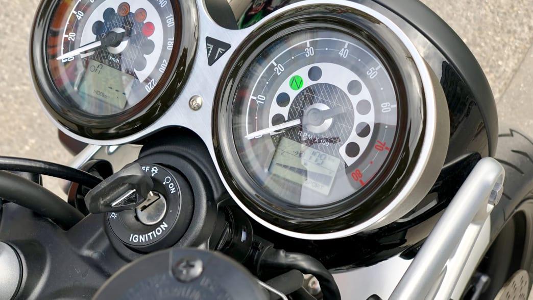 Tacho der Triumph Speed Twin