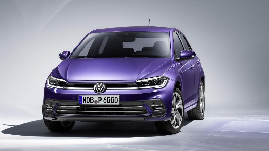 VW Polo im Studio fotografiert, von vorne aufgenommen