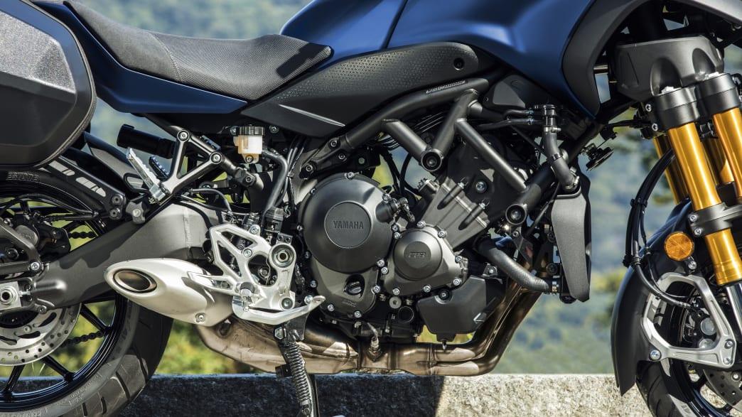 Blick auf den Motor der Yamaha Niken