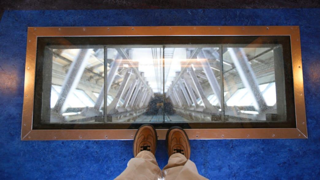 Aufzug im Skytower in Auckland