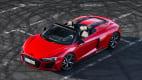 Draufsicht auf einen stehenden Audi R8