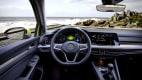Cockpit des VW Golf 8
