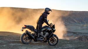 Eine Harley-Davidson Pan America Specialin der Seitenansicht