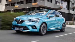 Renault Clio fahrend