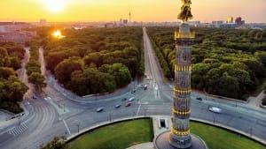 Luftaufnahme des Friedensengel in Berlin