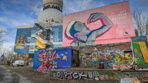 Abhörstation auf dem Teufelsberg in Berlin mit Graffiti