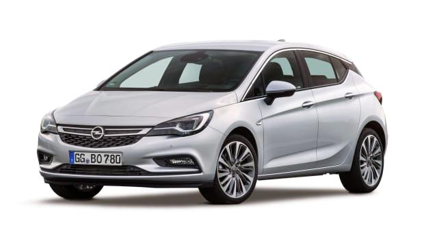 Freisteller eines weißen Opel Astra