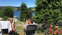 Pärchen auf dem Campingplatz Gut Kalberschnacke am Listersee
