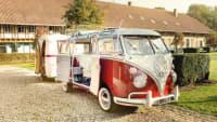 ADAC Saarland Linslerhof Überherrn Oldtimertage Hotelwiese VW Bulli rot-weiß mit Wohnanhänger 1966