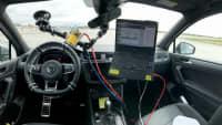 Versuchsaufbau in einem VW Passat für den EuroNCAP Automated Driving Test