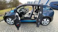 geöffnete Türen beim BMW i3