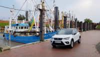 Seat Arona TGI stehend an einem Hafen