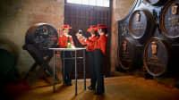 In der Bodega Tio Pepe werden Besucher zur Sherry-Probe erwartet
