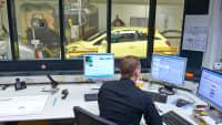 Auto im ADAC Testzentrum auf dem Prüfstand