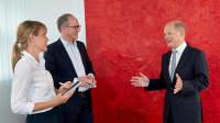 Olaf Scholz im Gespräch mit Katja Fastrich und Thomas Paulsen