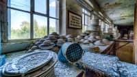 Teller, Formen, Porzellan in deiner verlassenen Porzellanfabrik