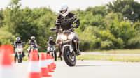 Motorradfahrer beim Fahrsicherheitstraining