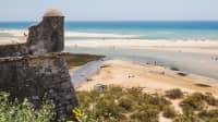 Blick von Cacela Velha auf die Sandbänke der Ria Formosa